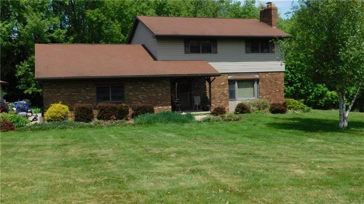 115 Shirley Ln, New Castle, PA 16102