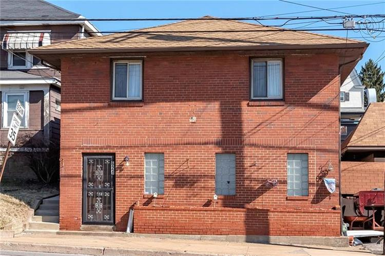 621 Lincoln Hwy, East McKeesport, PA 15035 - Image 1