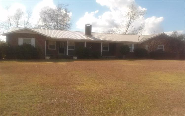 880 Metcalf, Cottonwood, AL 36320