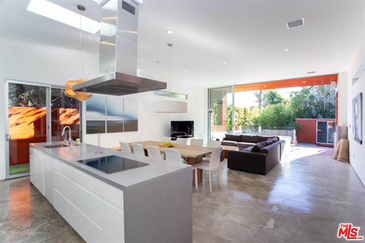 8570 RUGBY DR, West Hollywood, CA 90069 - Image 2