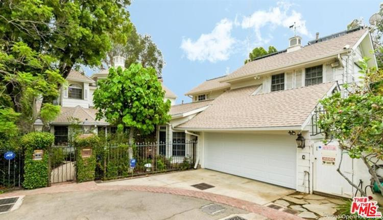 12318 18TH HELENA DR, Los Angeles, CA 90049 - Image 1