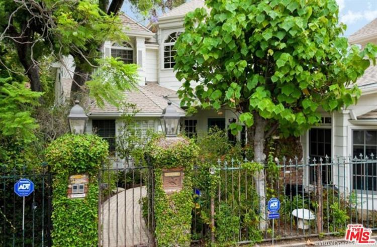 12318 18TH HELENA DR, Los Angeles, CA 90049 - Image 2