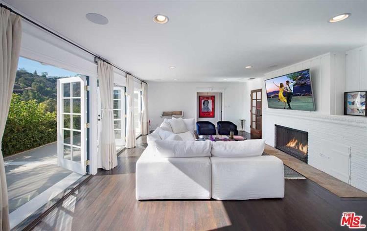 2828 BENEDICT CANYON DR, Beverly Hills, CA 90210 - Image 1