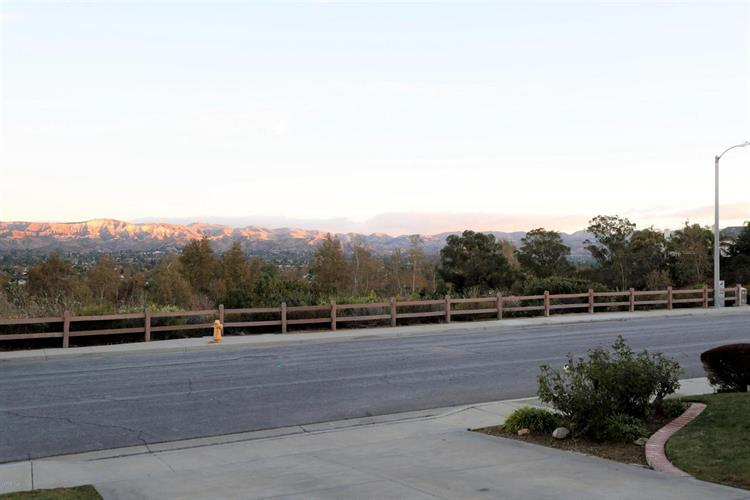 2576 RUDOLPH DRIVE, Simi Valley, CA 93065 - Image 2