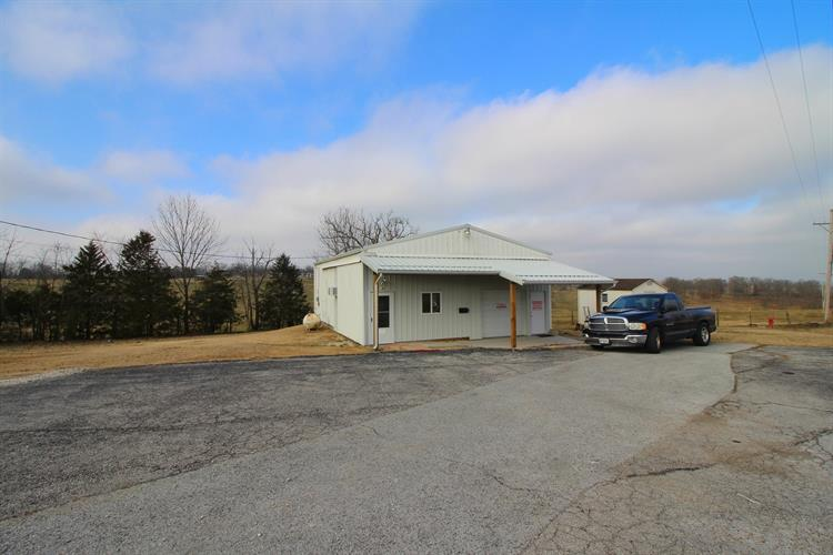 5715 East State Hwy 76, Kirbyville, MO 65679 - Image 1