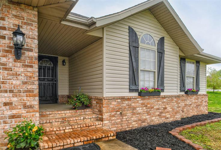 Fabulous 4356 North Toby Avenue Springfield Mo 65803 For Sale Mls 60135058 Weichert Com Download Free Architecture Designs Rallybritishbridgeorg